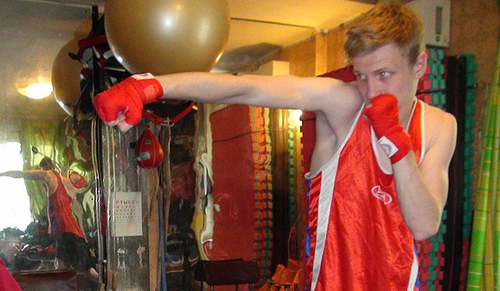 фотография отработка прямого правой из бокса